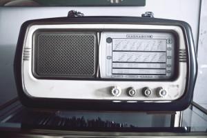 vintage-technology-music-old radio interview